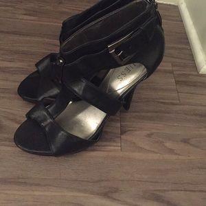 Guess 8.5 black heels