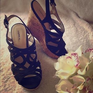 Black X-Appeal wedges : Size 6.5