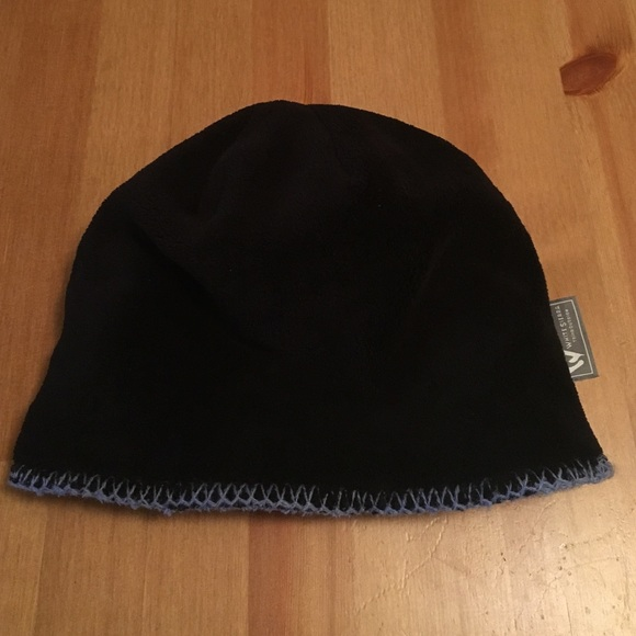 c6b24e6d204 White Sierra reversible fleece hat. M 57e474ba8f0fc4d1ec00b001