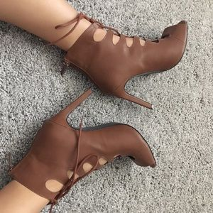 Shoes - Brown lace up heels