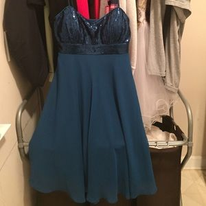 Dresses & Skirts - Formal Dress Size Large