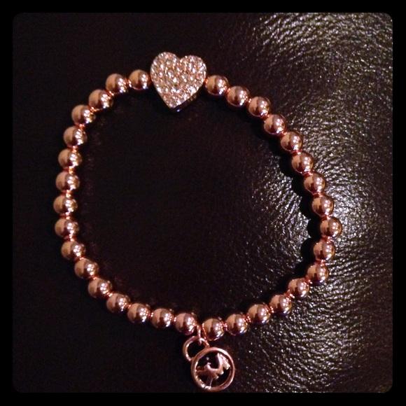 d11cfbd63596 Michael Kors beaded stretch bracelet. M 57ec57f436d5947e6b001ddf