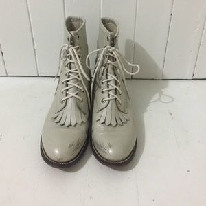 Vintage Pearl boots!