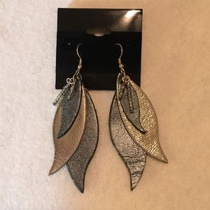 """Metallic 100% Leather Earrings. Silver & Black. 3"""""""