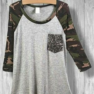 Tops - Camo sequined pocket tee