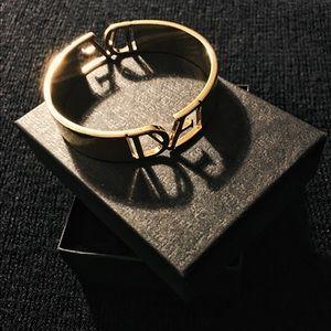 DIANE Von FURSTENBERG gold bracelet ❤️