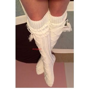 HUE Accessories - Cable Knit Over The Knee Socks Tassel Thigh high