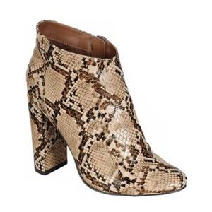 clmayfae Shoes - *LAST1* Snake Print Ankle Booties