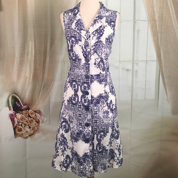 03ae612e30f Mlle. Gabrielle Blue and White Sleeveless Dress. M 57e50c207f0a05ed9c01eee6