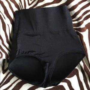 855bd531320d9 Marilyn Monroe Intimates   Sleepwear - Marilyn Monroe BUTT BOOSTER FLATTENS  TUMMY PANTIES