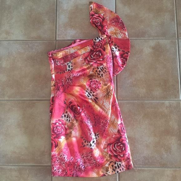 Hailey Logan Dresses & Skirts - Super cute one shoulder dress