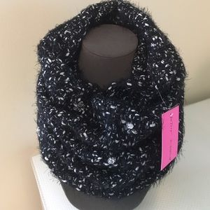 Betsey Johnson Accessories - Betsey Johnson Cowl / Infinity Scarf.