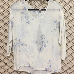 XS Forever 21 Cream/Floral Print Top