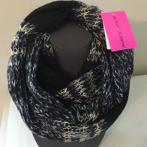 Betsey Johnson Accessories - Betsey Johnson Infinity Scarf.