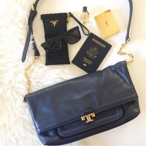Tory Burch Sammy Fold-Over Messenger in Navy