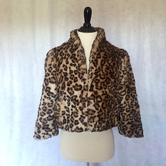 8609320e8931 S Leopard Animal Print Faux Fur Crop Coat Jacket. M_57e590c1c6c7958819007d5f