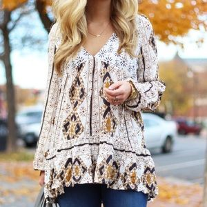 Free People Tops - Free People Boho Chic Top with Ruffle Hem