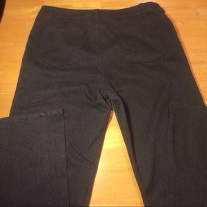 Jones of New York Gray Jeans With Shape Control