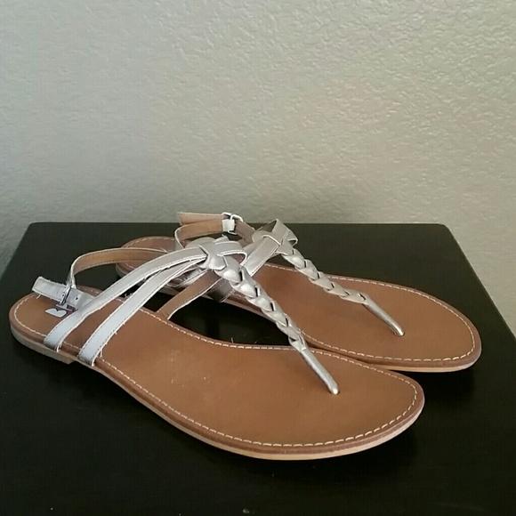 5a6db27c2f4d24 bp Shoes - EUC BP thong gold t strap sandals Nordstrom