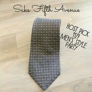 Other - 👔HP👔Saks Fifth Avenue silk tie