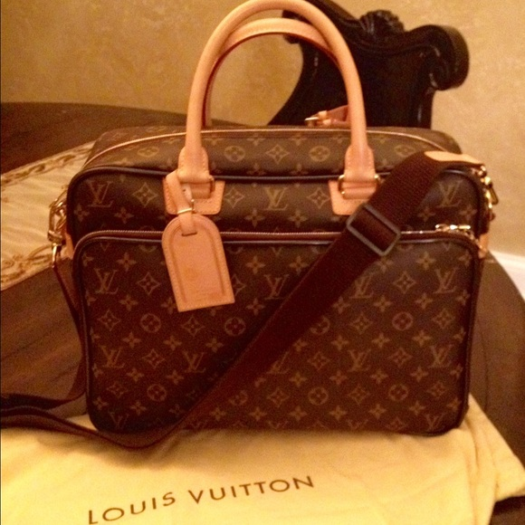 61e5c726a60 Louis Vuitton Handbags - LOUIS VUITTON Monogram ICARE Laptop Messenger Bag