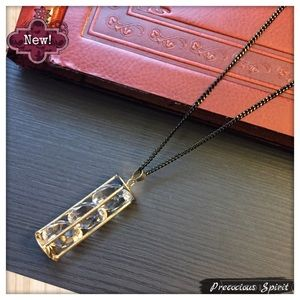 Jewelry - Triple Crystal gem time Hourglass Long necklace