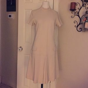 Dresses & Skirts - Beautiful petite cream dress