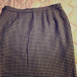 Knee Length Houndstooth Skirt