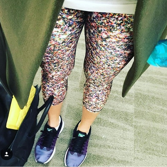 3ba151e2d1196 Zara Terez Glitter Capri Leggings. M_57e6843c5a49d0f66700234a