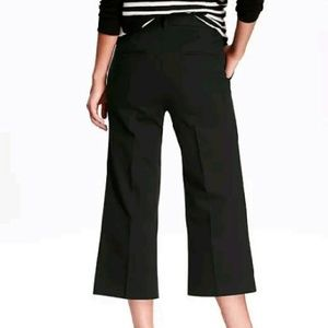 Old Navy Pants - NWT navy or black cropped dress work pants
