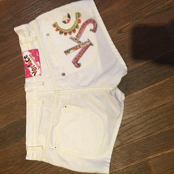 versace jeans coture Pants - Versace jeans couture. Cute white shorts.
