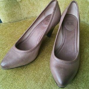 Frye Shoes - Frye Regina Pump