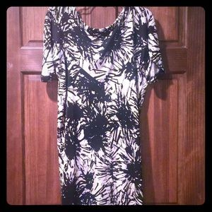 Diane von Furstenberg Dresses & Skirts - Beautiful Diane Von Furstenberg Silk Dress