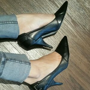 Nicole Miller Black leather heels