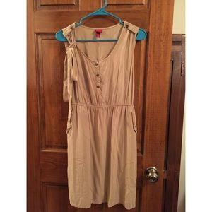 Small tan Merona button down dress with belt