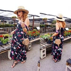 Dresses & Skirts - Cold Shoulder floral maxi dress
