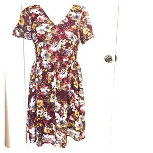 Doe & Rae Dresses & Skirts - Floral Dress