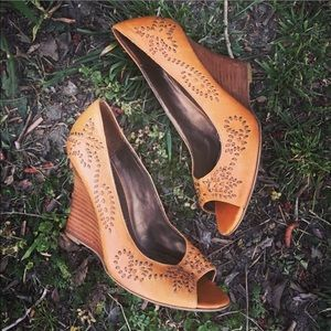 Bakers Shoes - 💖Final Price💕Bakers leather wedges sz: 6.5