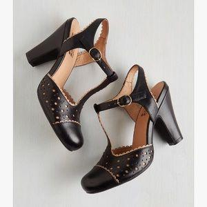 NIB Miz Mooz Black & Beige Heels