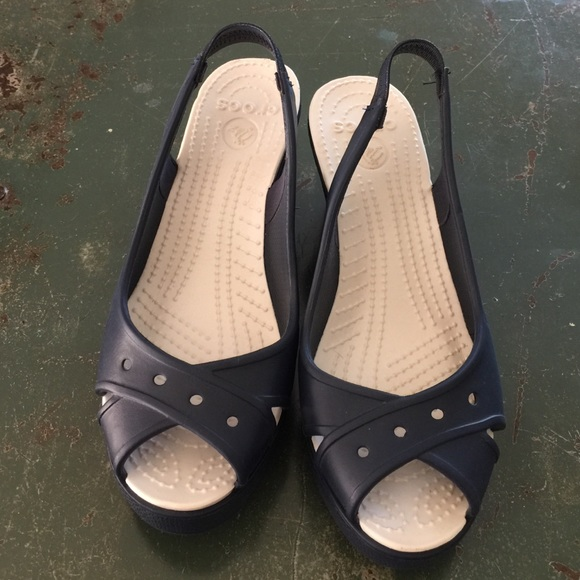 47165c460 CROCS Shoes - Crocs Farah Navy Blue Peep-Toe Wedge Sandal Sz 6