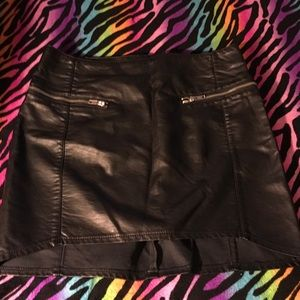 💥Faux leather skirt