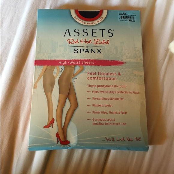 0fedc46b346 SPANX New in box shaping pantyhose