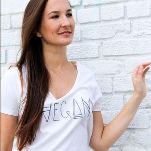 Everlane Tops - Vegan Native tee🌿