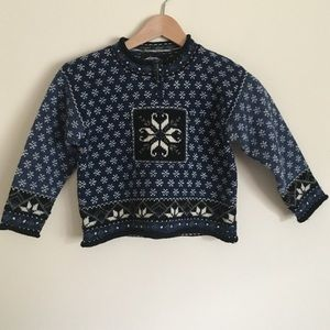 Icelandic Design Other - NWT Icelandic Design M wool snowflake sweater