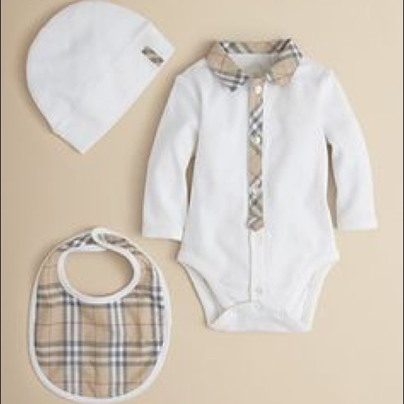 932b82e8d99e7 Burberry Baby 3 Piece Onesie hat and bib