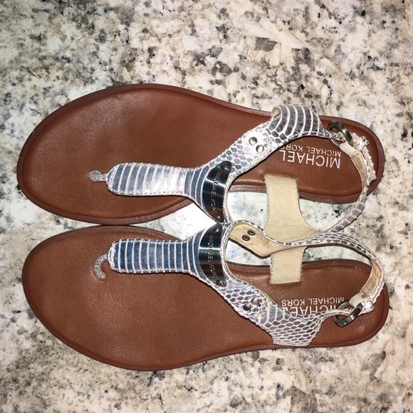 fc2dbcfd0 Michael Kors thong metallic snake print sandal. M 57e81b7e522b4557b200b8e7