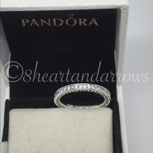 Jewelry - Pandora white Radiant hearts ring