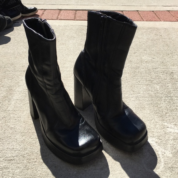 c987438f9697 Steve Madden retro square toe platform boots 7 1 2.  M 57e8202e8f0fc4670800c20f