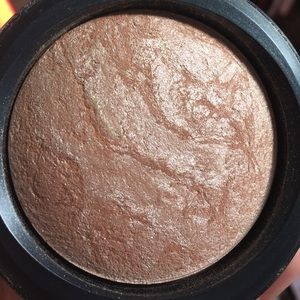 MAC soft and gentle mineralized skinfinish