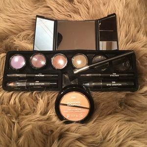 Brand new make up eye kit